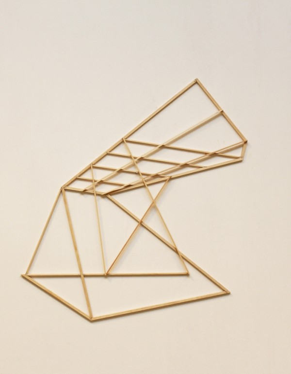 Shelter  [Wood construction. 85 x 82 x 1,9 cm. 2015.]